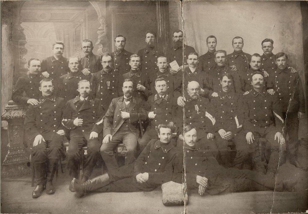1910-е. Почтальоны Рыбинской почтово-телеграфной конторы, 1910-е