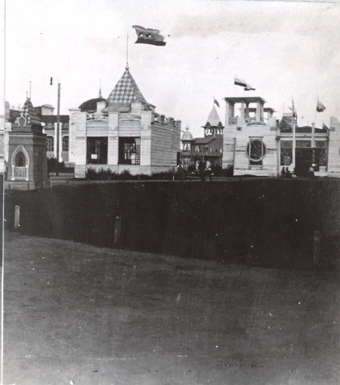 Выставочный павильон в Омске в 1911 году. Виды выставки