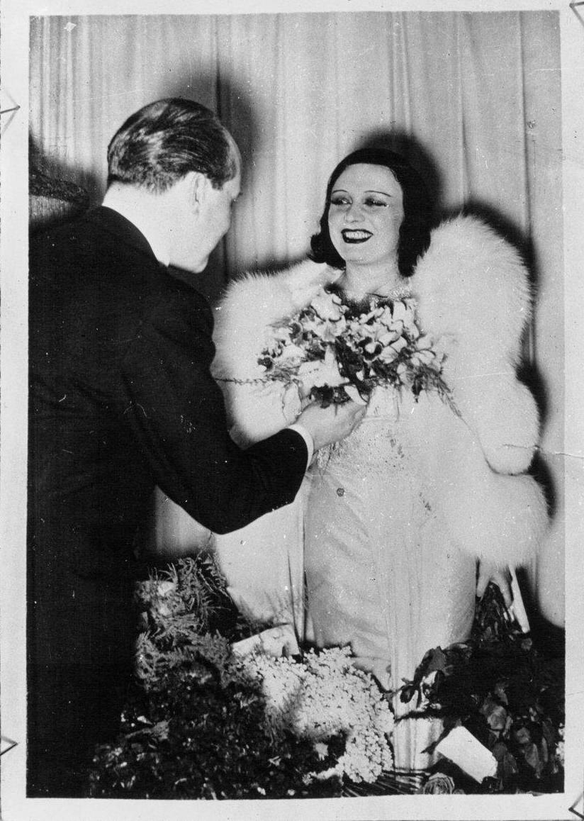 1937. Пола Негри, актриса кино