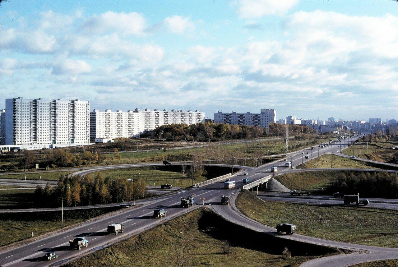 Новые здания на западной окраине