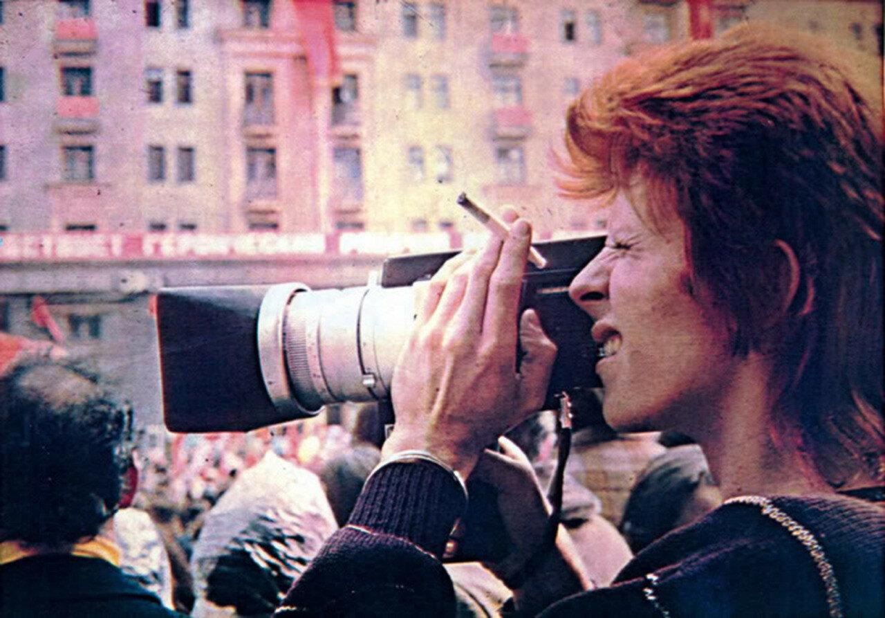 1973. Дэвид Боуи в Москве во время первомайского парада