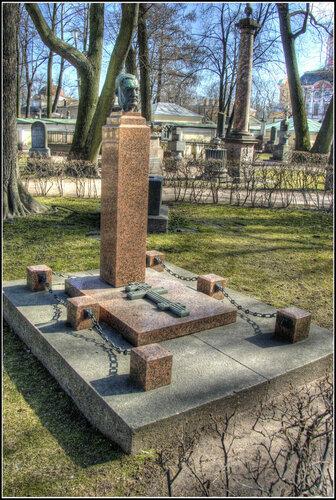 Надгробие. А.К. Глазунов.