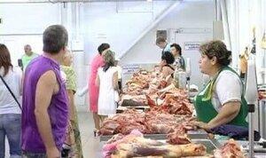 Торговля мясом в самую жару в Бельцах - у людей вопросов НЕТ