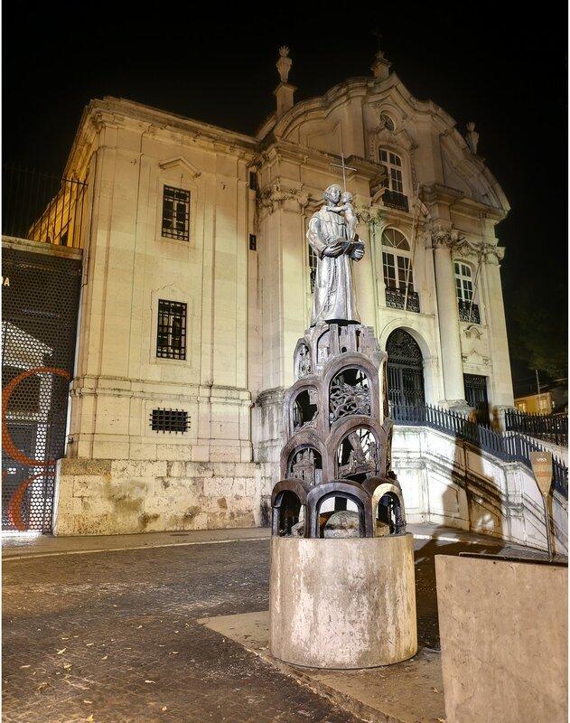 Night Lisbon. St. Anthony's Church (Igreja de Santo António)