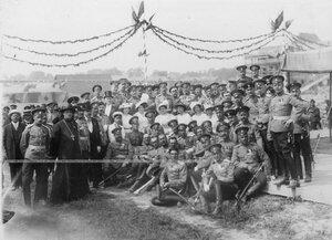 Группа офицеров  3-го стрелкового полка в день закладки новой казармы полка.