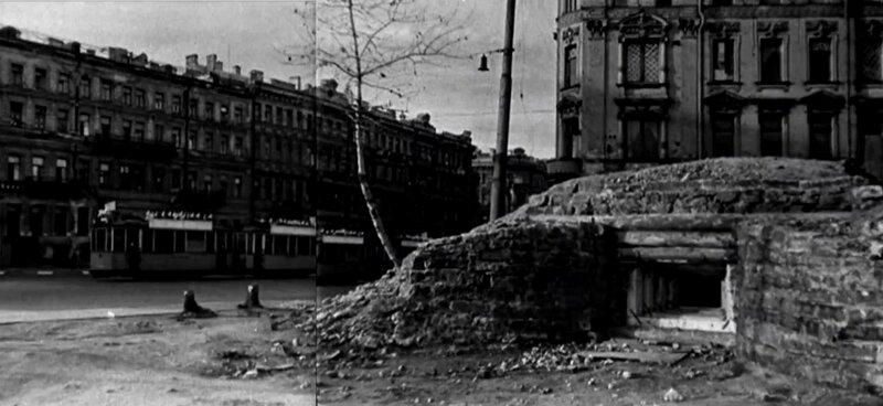 ДЗОТ, выстроенный на одной из улиц города