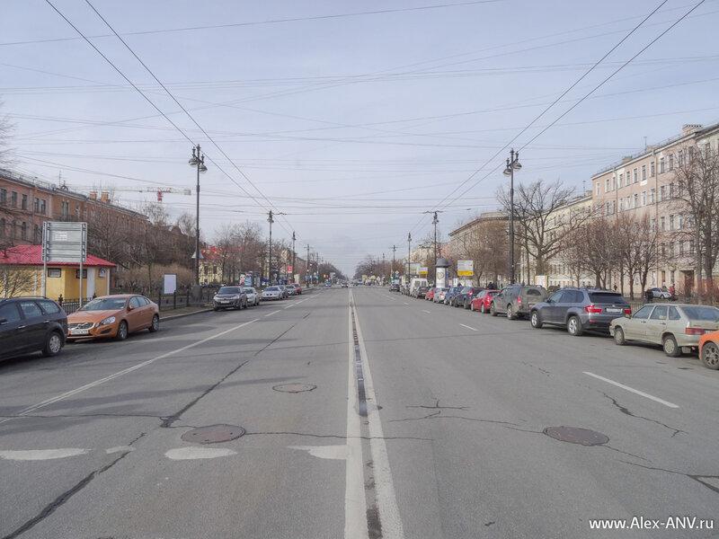 Большой проспект Васильевского острова. На Петроградской стороне есть одноимённый проспект, что добавляет сумятицы в головы приезжих.
