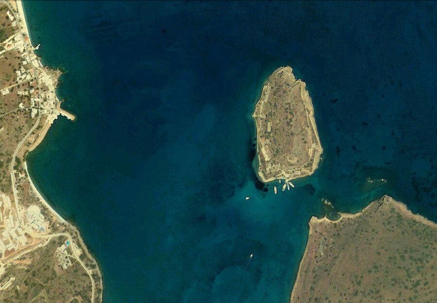 Остров Спиналонга, вид из космоса