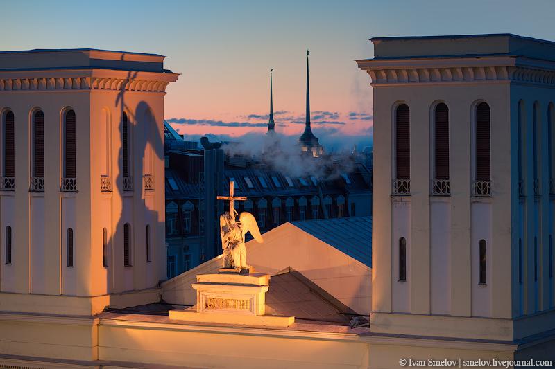 Негр на крыше казанского собора