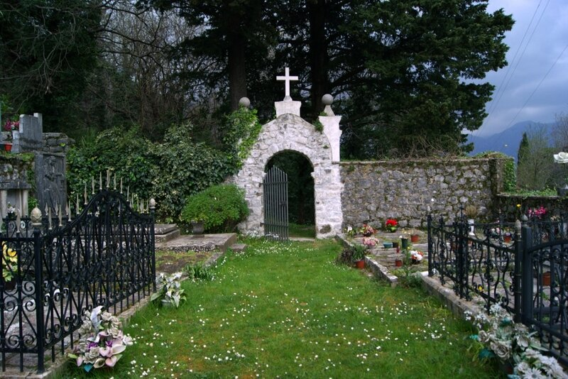 Кладбище в Столиве