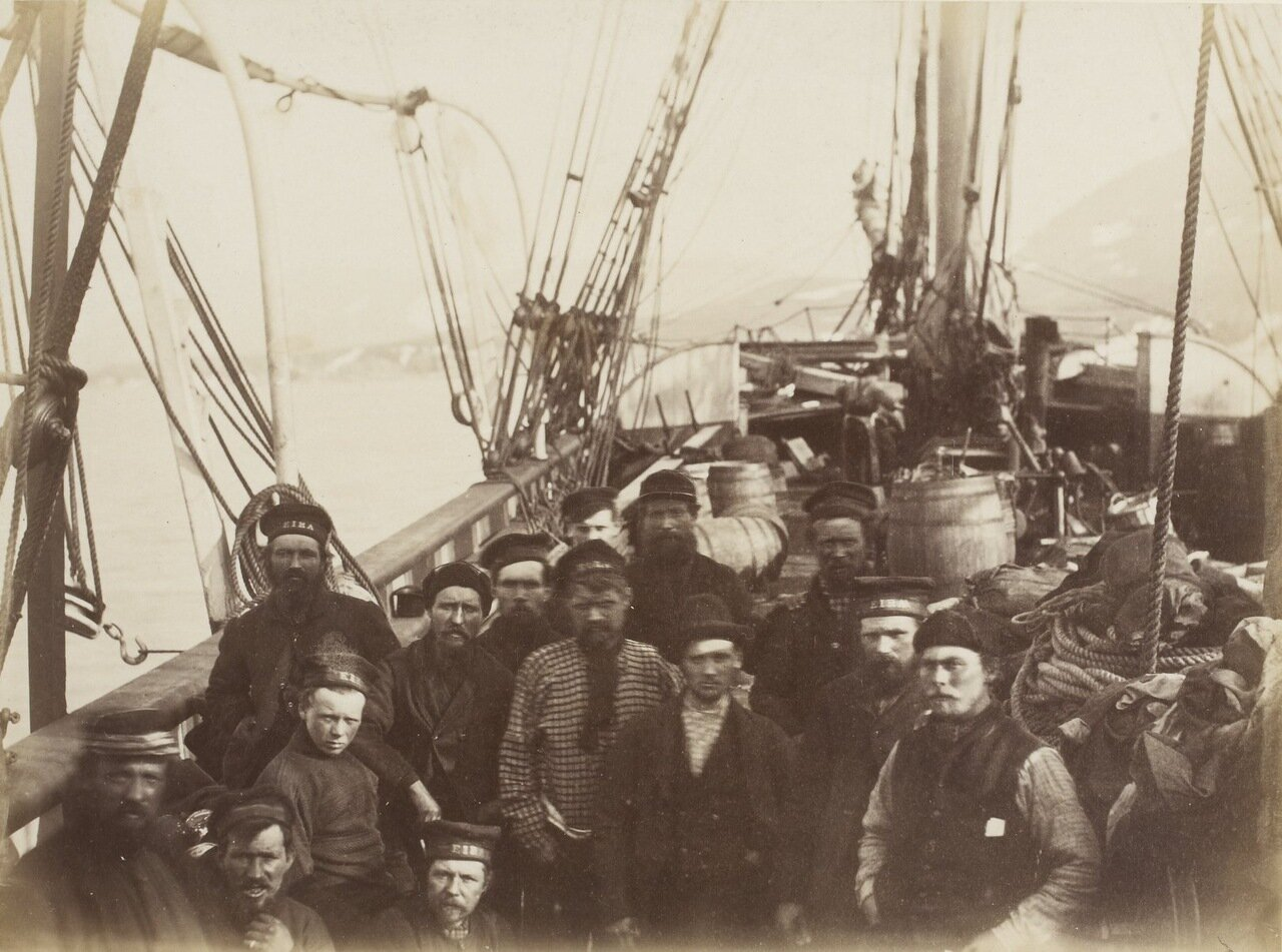 Часть экипажа «Эйра» на борту «Надежды»