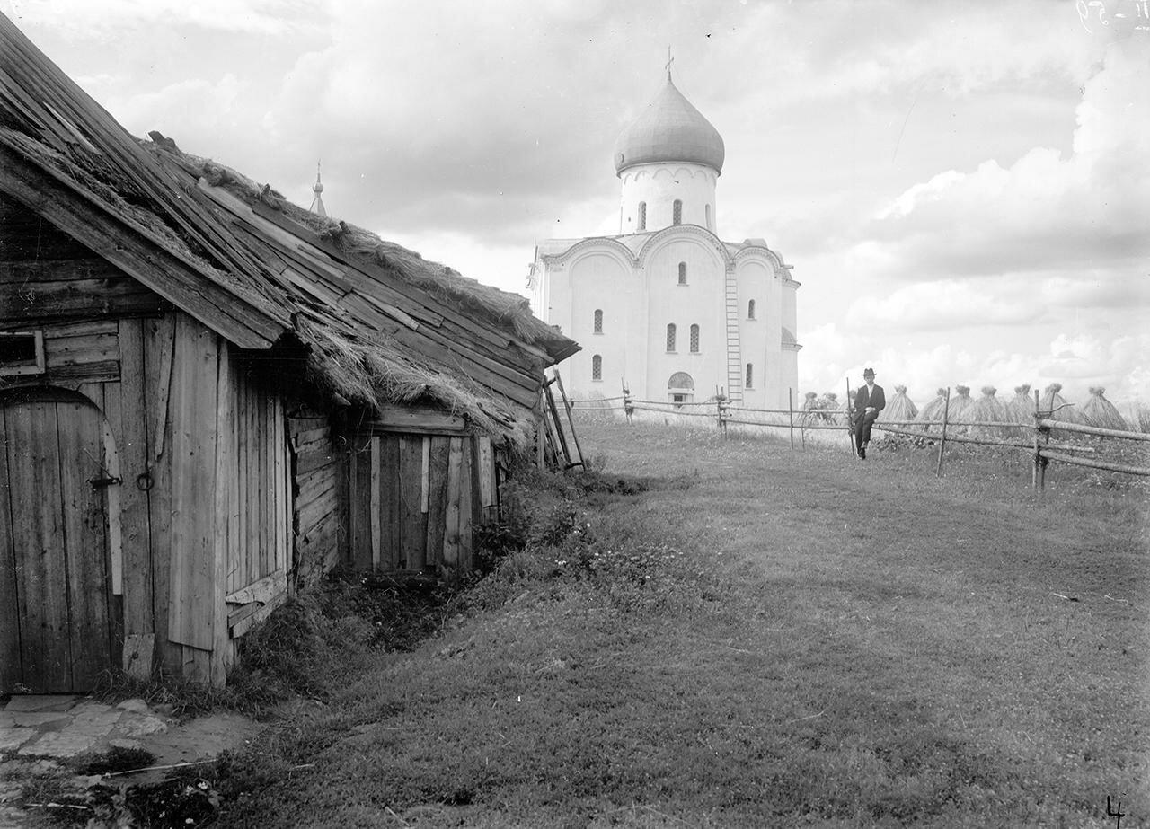 Церковь Спаса на Нередице. Общий вид с юга