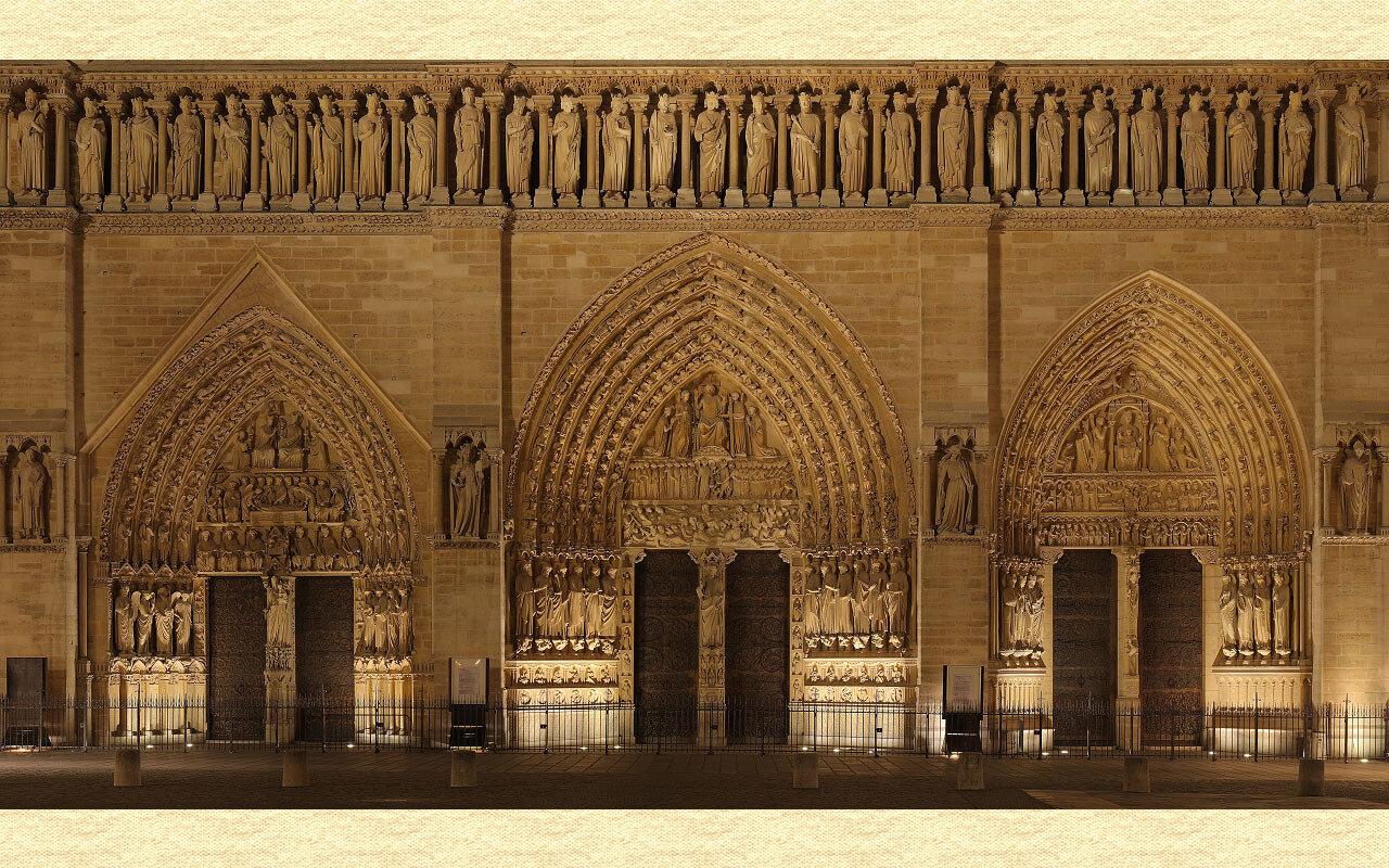 Собор Парижской Богоматери. (1163-1345) Часть фасада , включающая портал Богоматери, портал Св. Анны, и портал Страшного Суда. Façade, showing the Portal of the Virgin, Portal of the Last Judgment and Portal of St-Anne