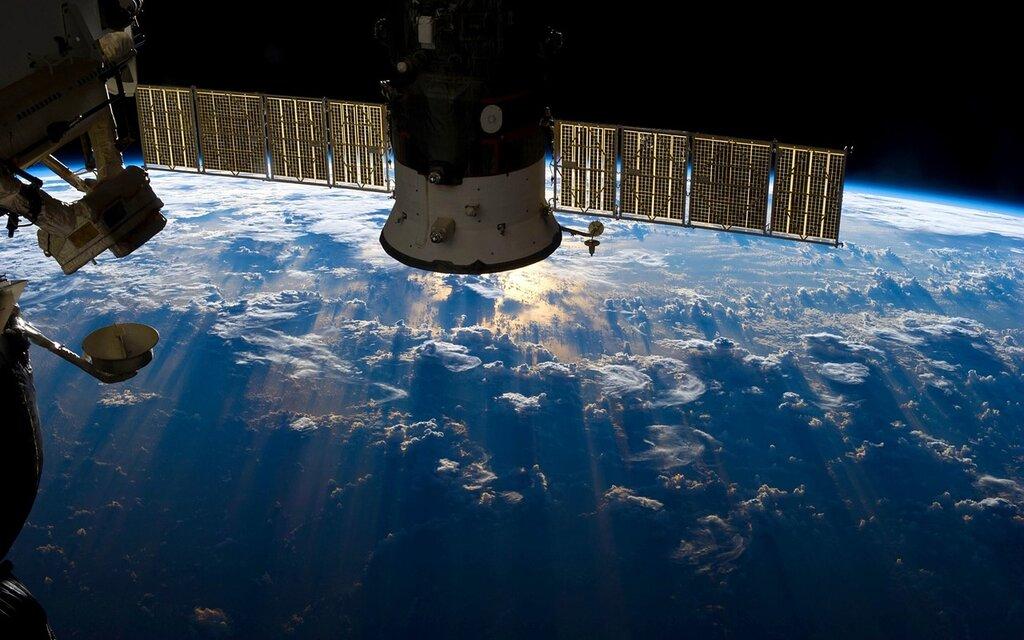 Картинки по запросу космонавтика современная