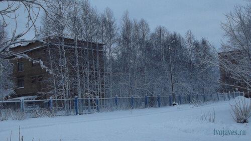 Фотография Инты №6307  Северо-зпадный угол Мира12 (детская больница; вид от бывшей школы №7) 21.11.2013_12:06