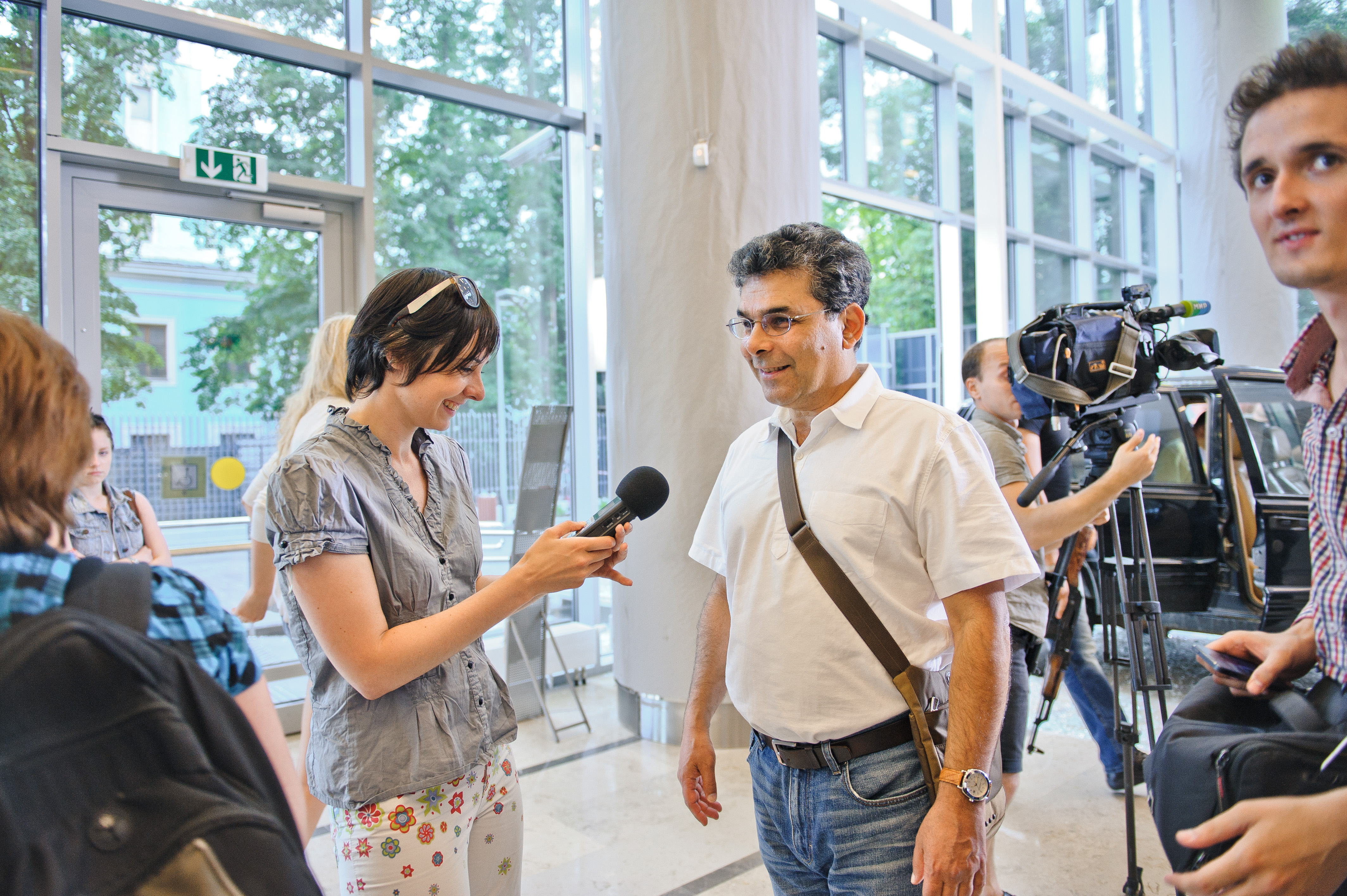 Шелдон Леттич и Ксения Виноградова на съемочной площадке фильма Черная роза.