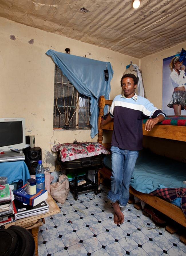 © imagesconnect  После давления ООН правительство Кении в2003 году внедрило бесплатное образо