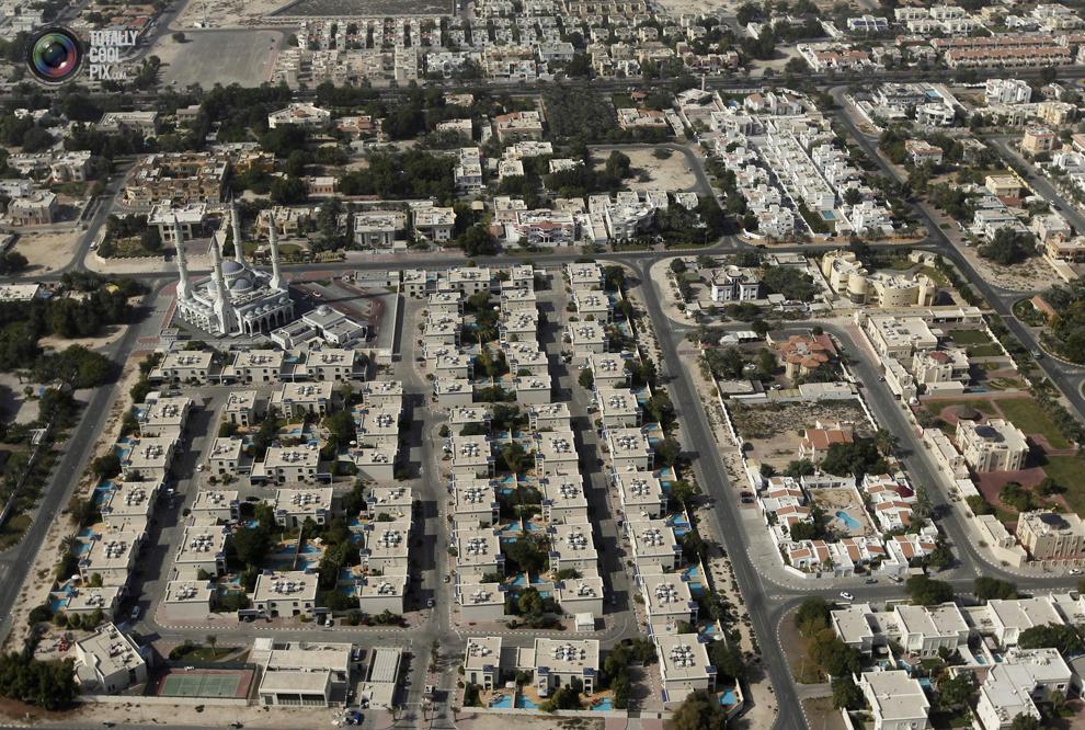 8. Вид с высоты птичьего полета на мечеть Аль-Фарук Омар ибн-аль-Хаттаб. (REUTERS/Jumana El Heloueh)