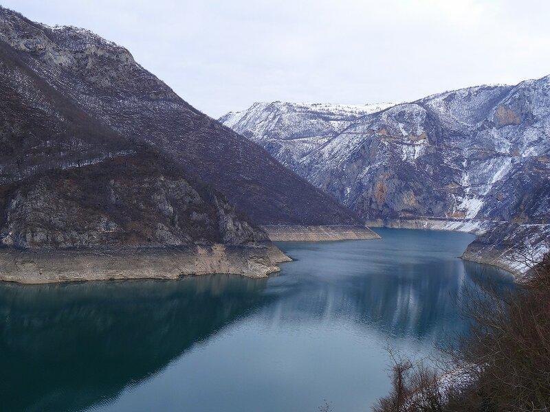 Пивское озеро зимой