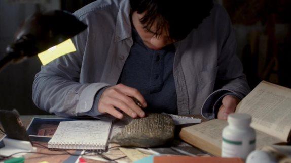 Кадры начала первого эпизода девятого сезона с музыкой «Кого ты любишь»