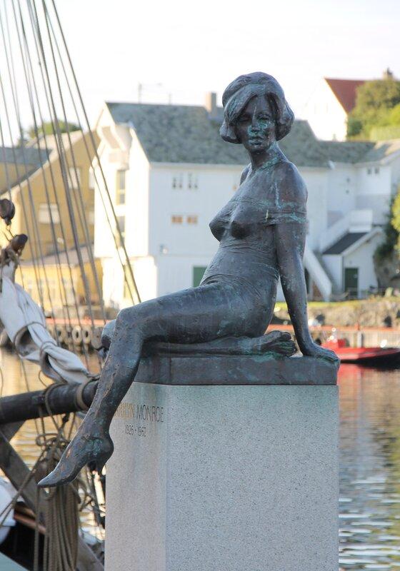 Хаугесунд, Памятник Мэрилин Монро. Haugesund, Marilyn Monroe statue