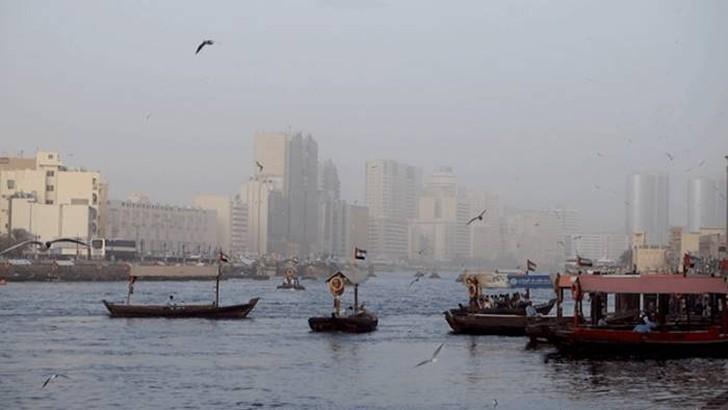 52. Это лодки дау в старом Дубае.