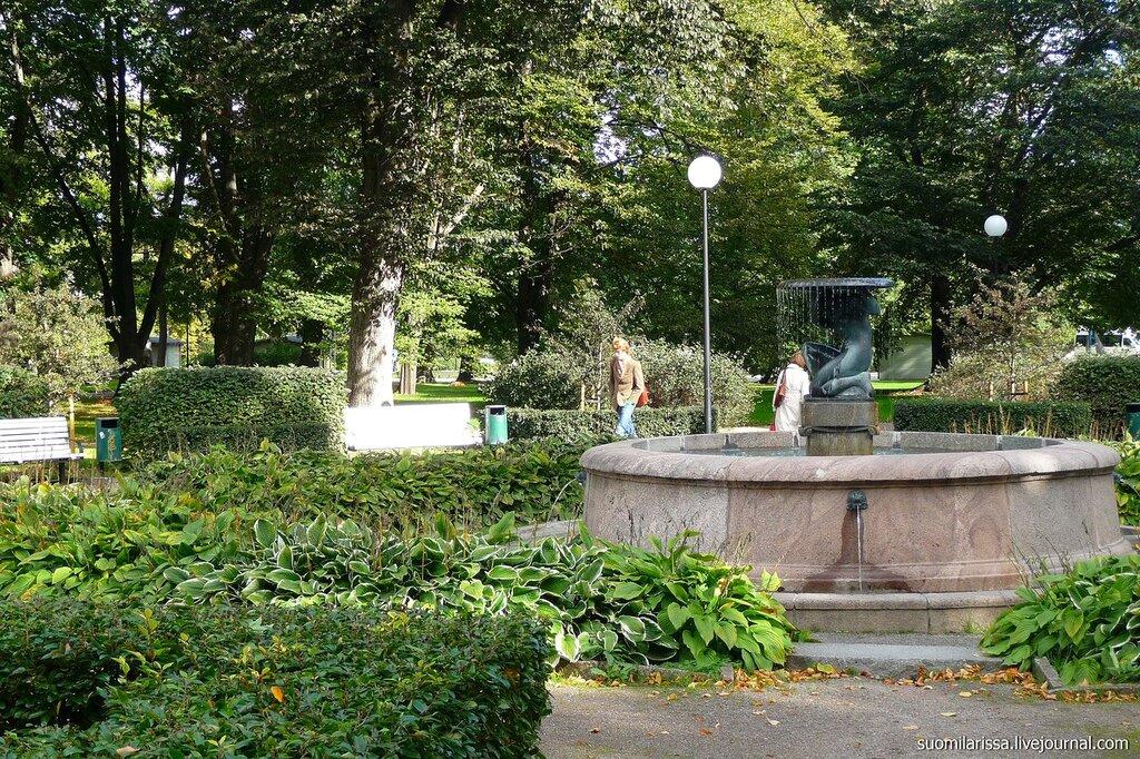 Сквер недалеко от Балтийского вокзала.