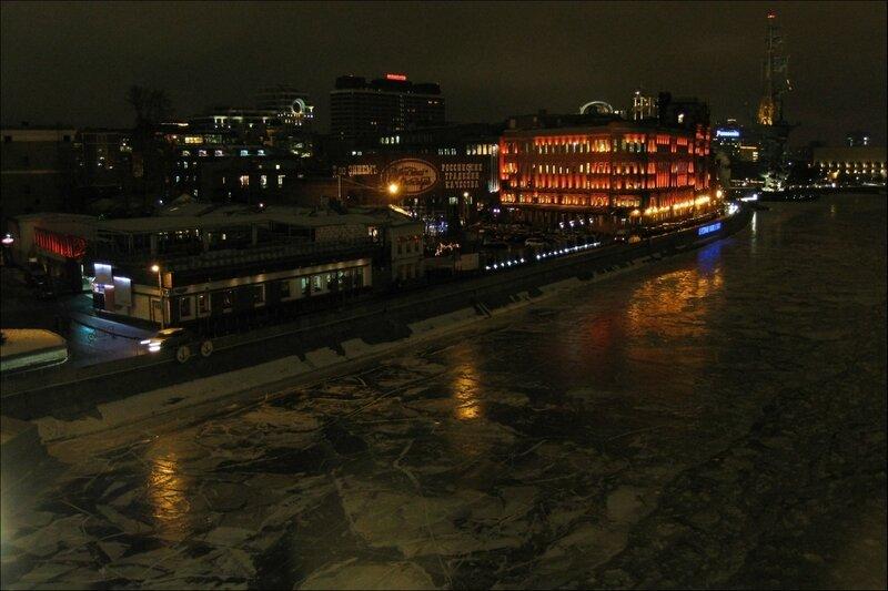 Вечерняя Москва, Берсеневская набережная