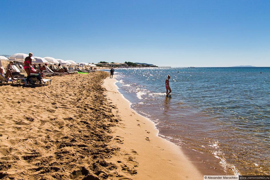 Песчаный пляж Иссос