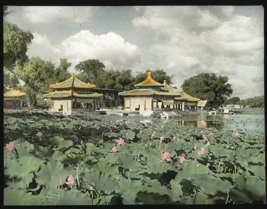 Пекин. Улун Тин (Павильон Пяти Драконов) в парке Бэйхай