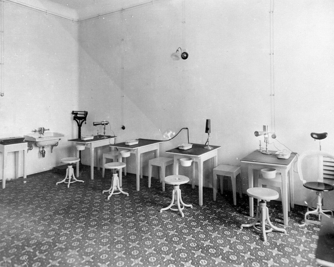 84. Часть физико-терапевтического кабинета клинического военного госпиталя
