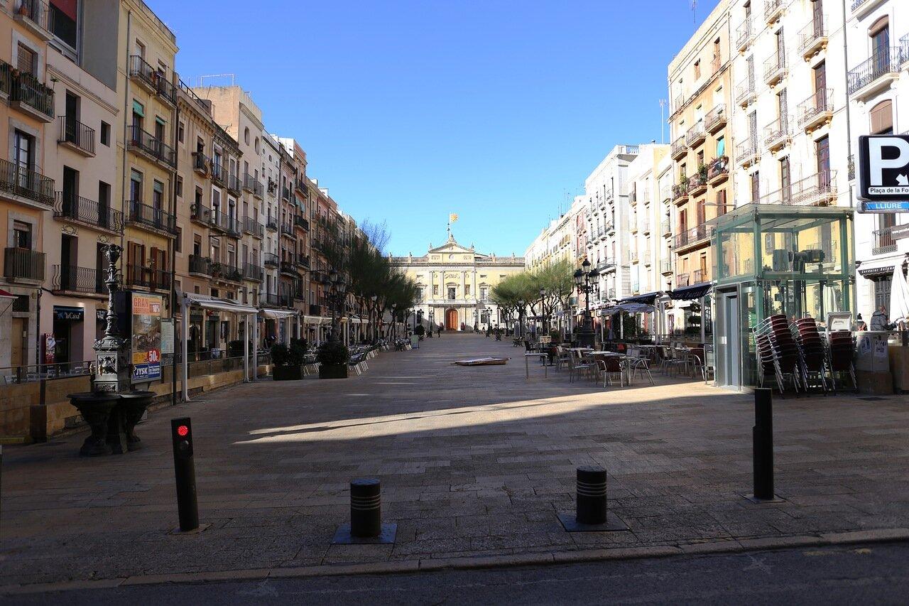 Таррагона. Площадь Де ла Фонт. Plaça de la Font