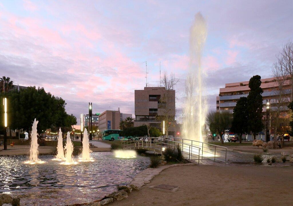 Таррагона. площадь Имперского Таракко. Plaça de la Imperial Tàrraco