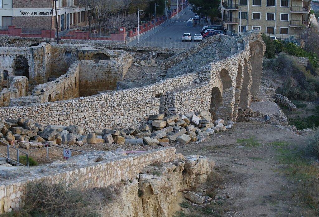 Тarragona. morning. Amphiteatre Romano. Таррагона. римский амфитеатр