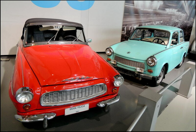 Autoworld 8293 Skoda Felicia Cabriolet 1961 - Trabant Type 601 1957-91.JPG