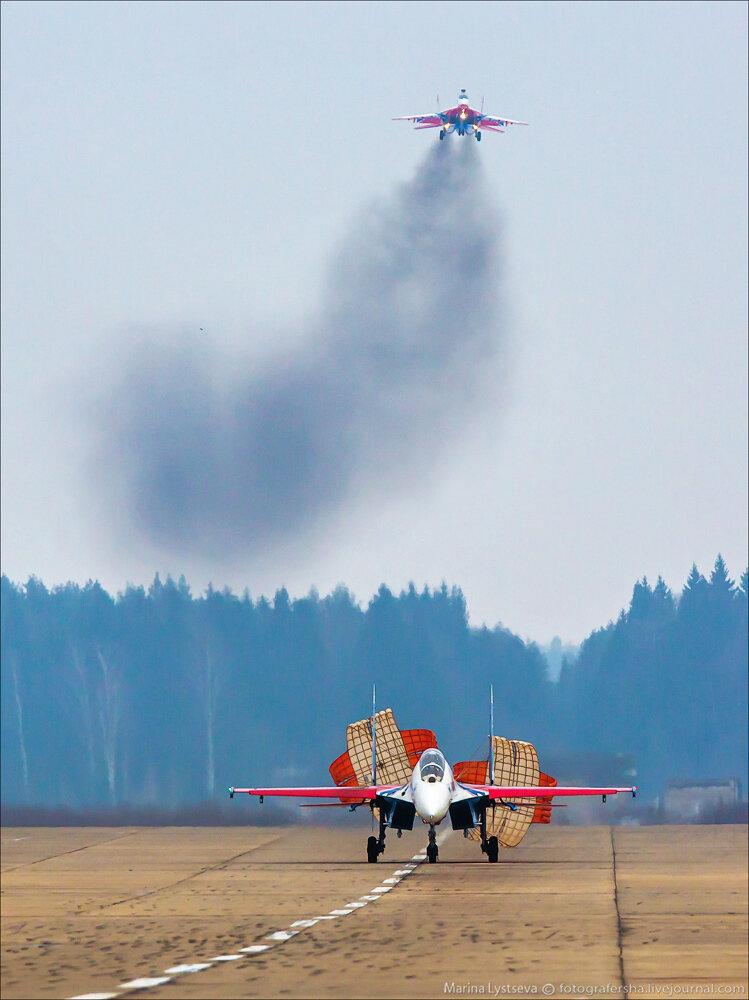 """Escuadrilla acrobatica """"Caballeros Rusos"""" 0_bb391_e24d7101_XXL"""