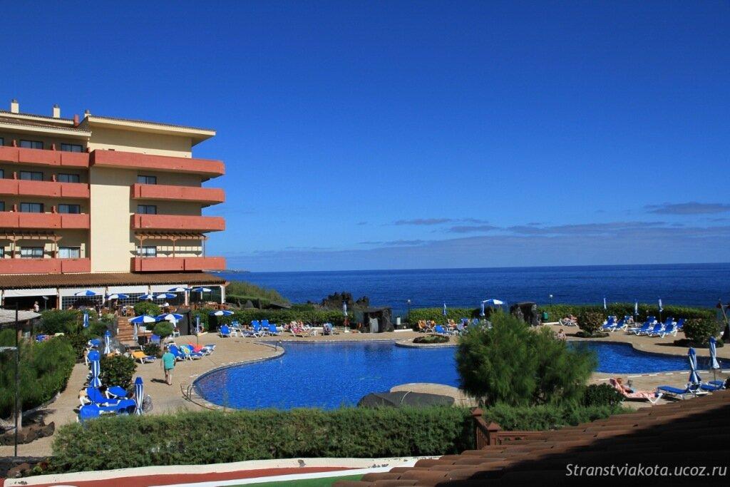Вид с террасы H10 Costa Salinas на H10 Taburiente Playa