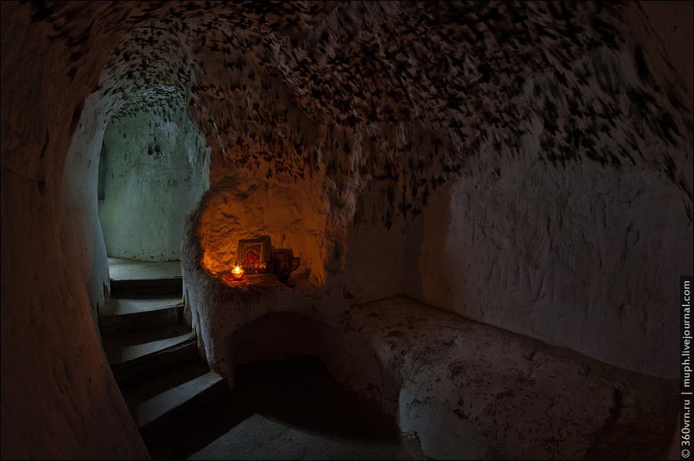 0_bf84a_ae94558d_orig Пещеры и подземелья Киева