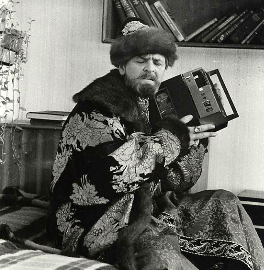 Иван Васильевич меломан