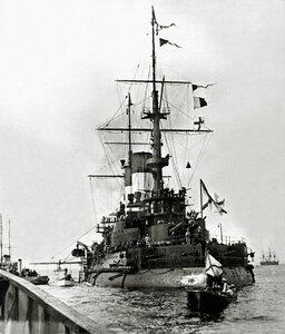 Эскадренный броненосец «Князь Суворов» на Кронштадтском рейде, начало сентября 190