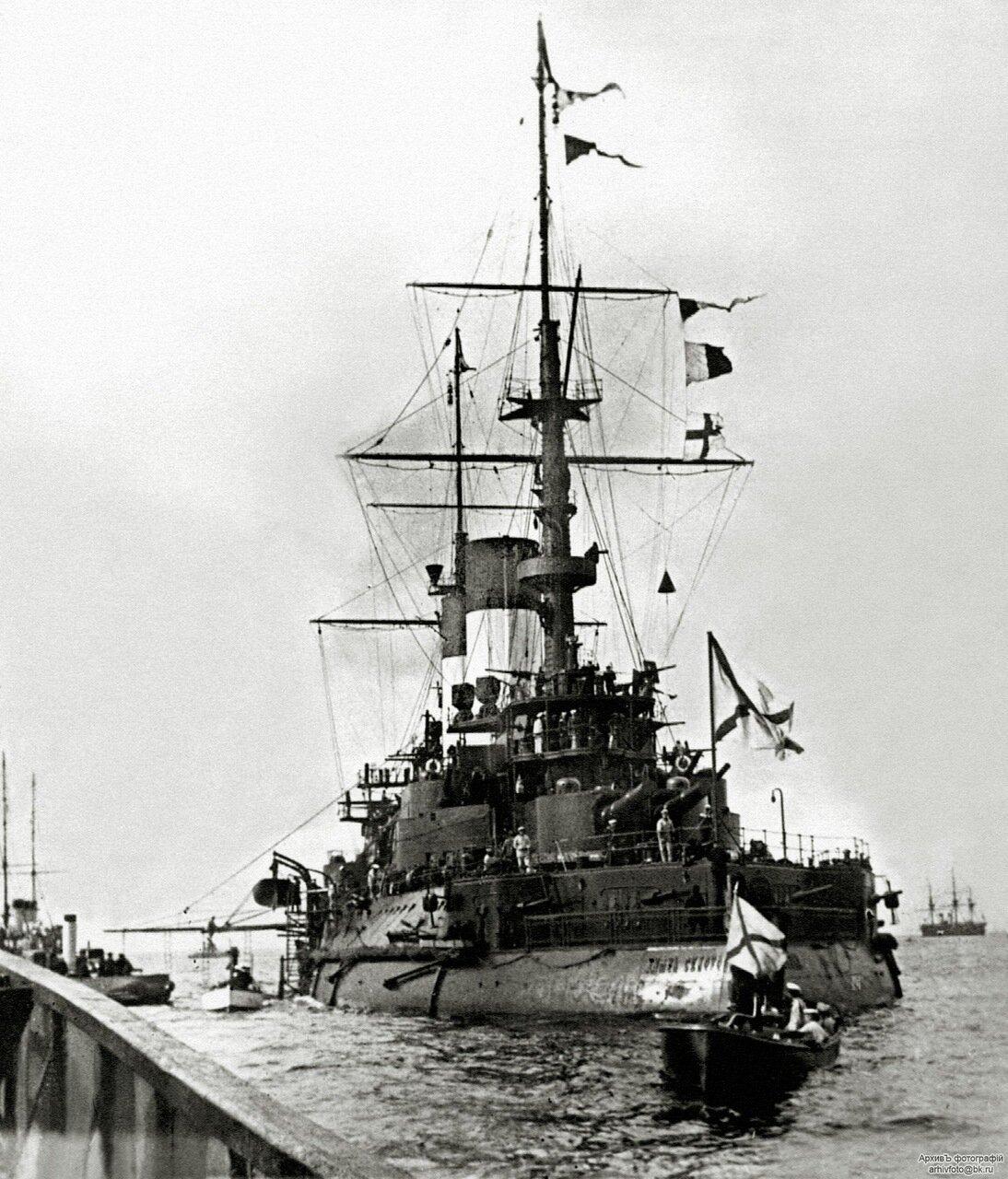 07. Эскадренный броненосец «Князь Суворов» на Кронштадтском рейде, начало сентября 1904 г.