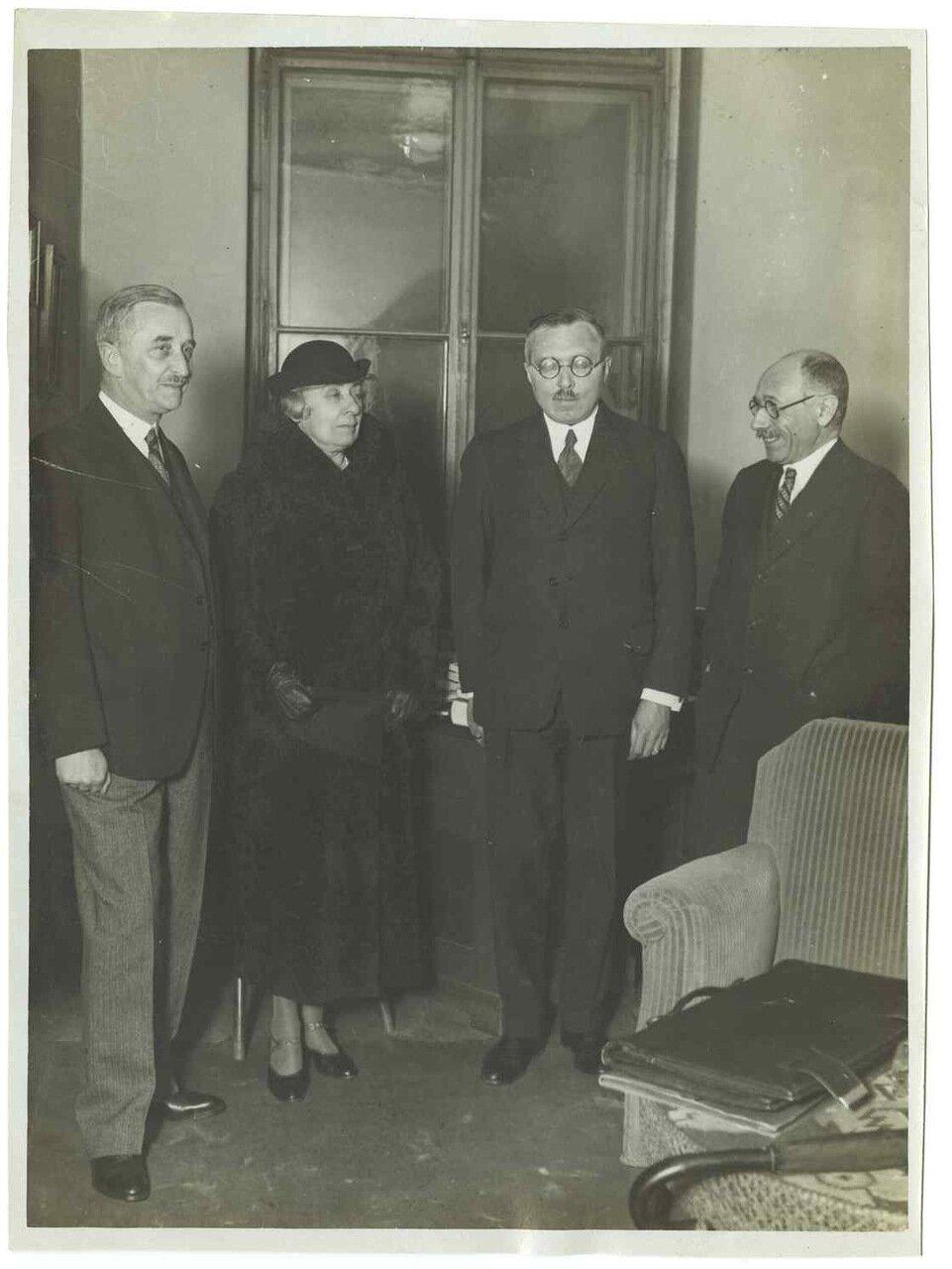 1925. Неклер, З. Рафаэль, Грондейс, граф Пал Телеки де Секи