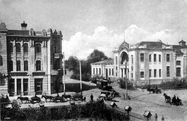 Улица графа Толстого