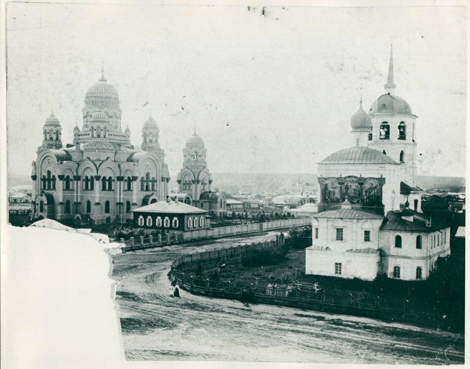 Спасская церковь и Казанский собор
