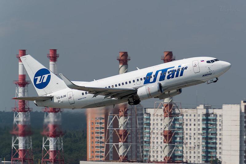 Boeing 737-524 (VQ-BJM) ЮТэйр D801604