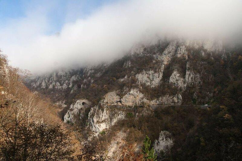 Пивское озеро в Черногории, его каньон