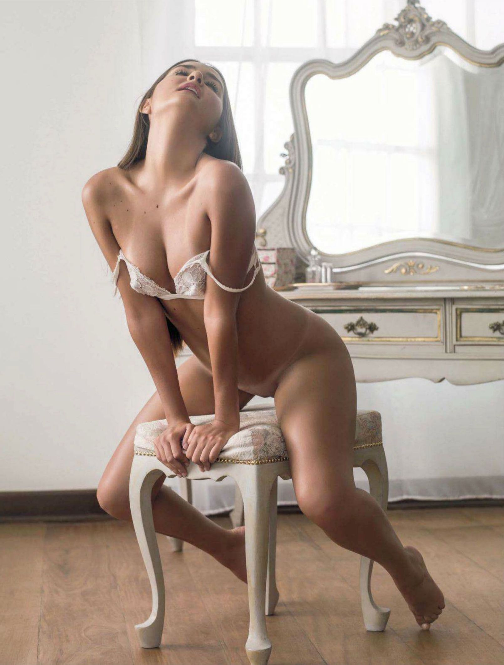 Продала свою девственность смотреть 11 фотография