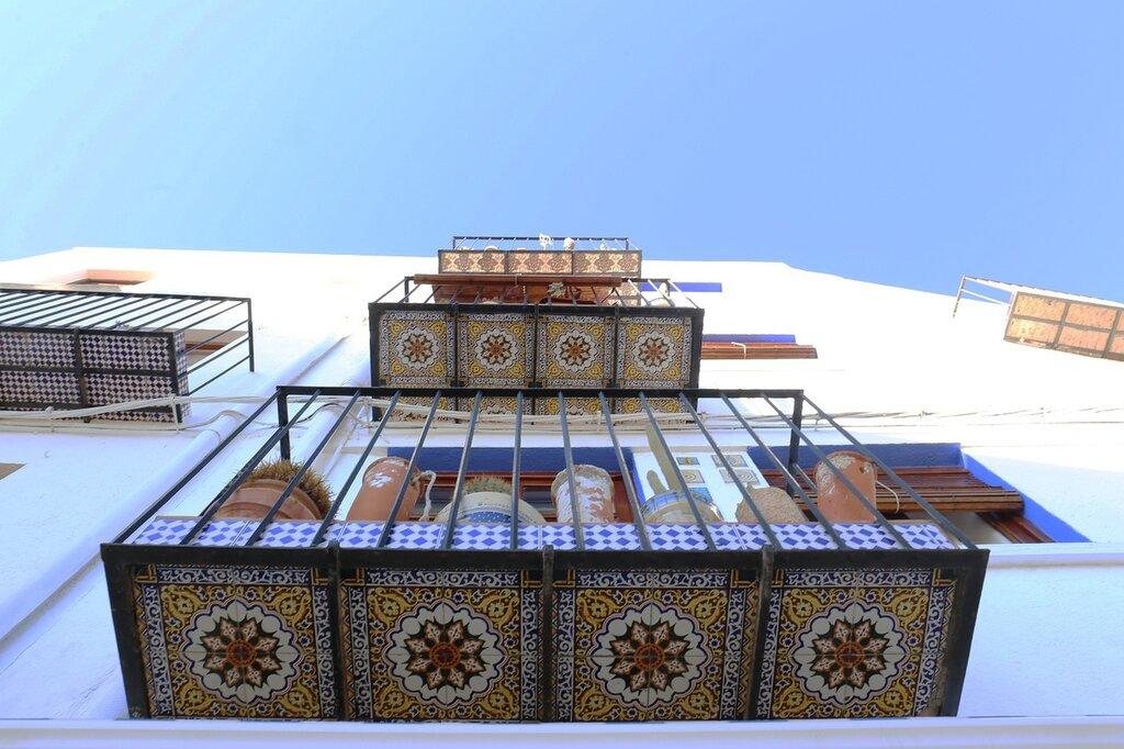 Пеньискола. Peniscola.balcony tiles. Изразцовый балкон. керамика