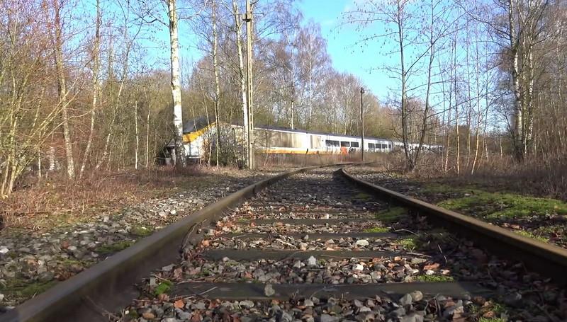 0 180c3f bf9dc33b orig - Заброшенный поезд