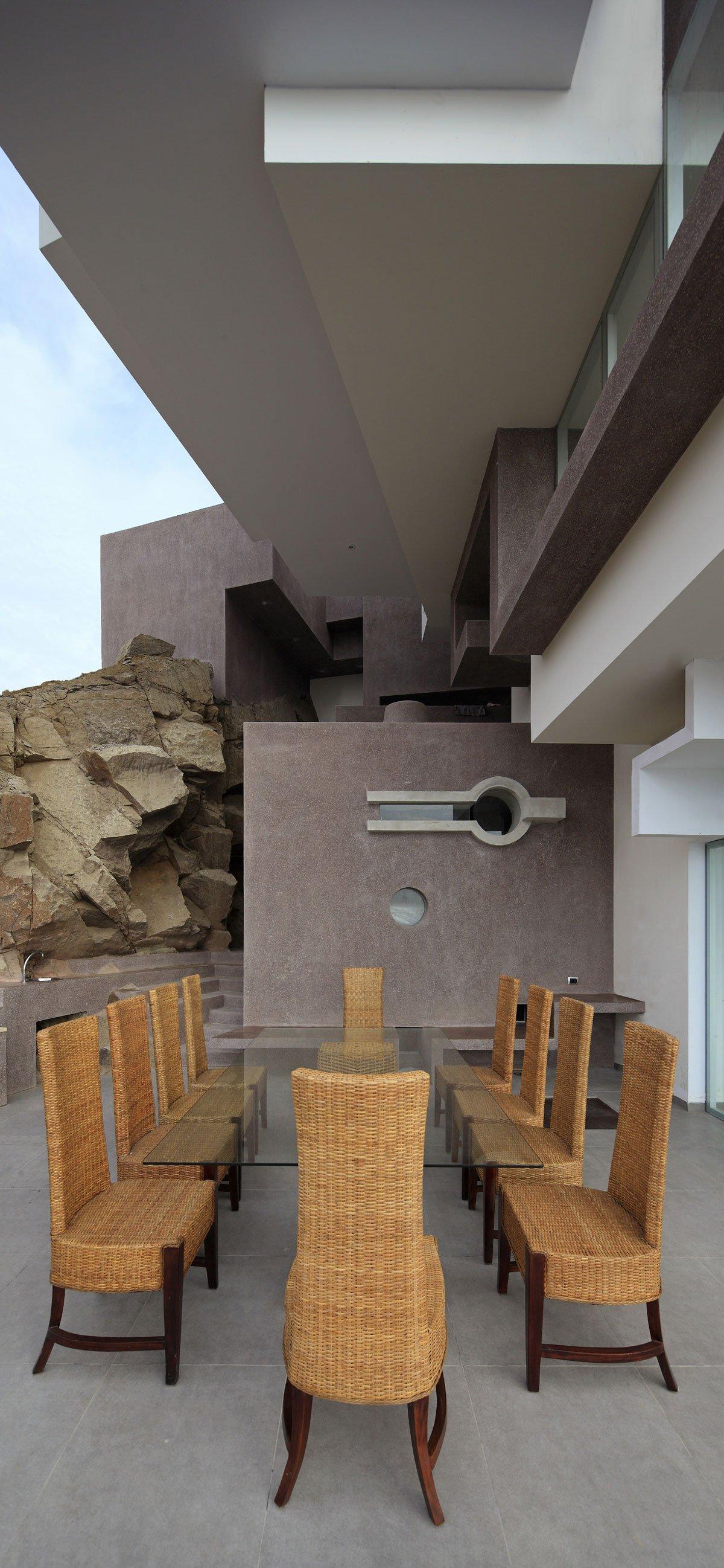 Veronica Beach, Longhi Architects, портфолио Longhi Architects, сложная архитектура частного дома, дом на берегу Тихого океана, особняк в Перу